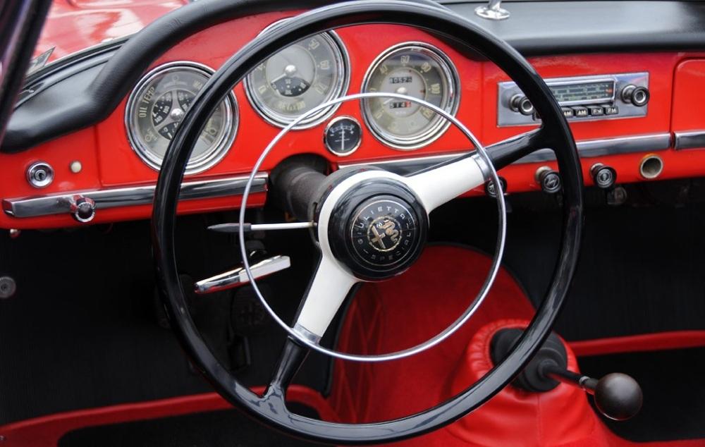 Interior del Alfa Giulietta Spider.