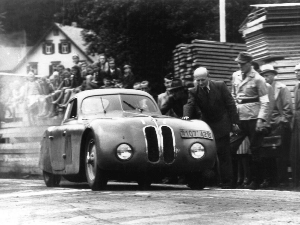 BMW 328 en la Mille Miglia 1939. Foto: supercars.net