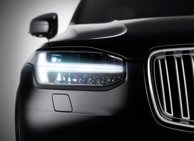 Faros LED del Volvo XC90. Foto: Motor.es