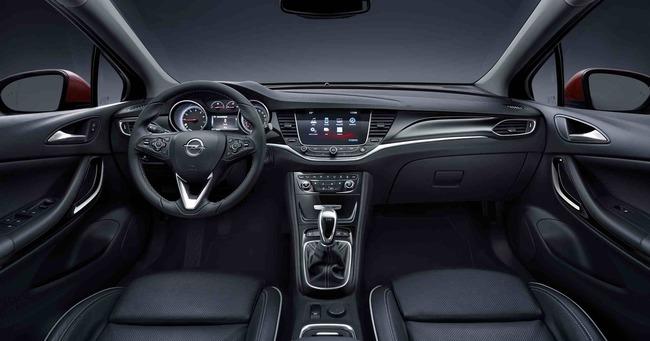 Interior del Opel Astra. Foto: noticias.coches.com