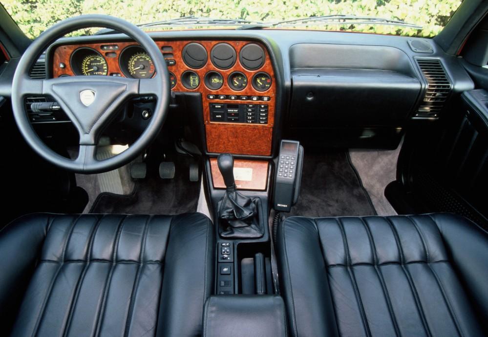 Interior del Lancia Thema 8.32. Foto: Motor Pasión