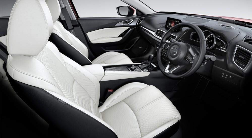 Interior del nuevo Mazda 3 2017. Foto: Mazda