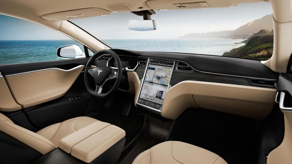 Interior del Tesla Model. Foto: Tesla