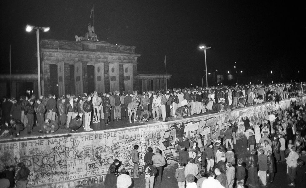 La noche de la caída del muro de Berlín. Foto: Reuters